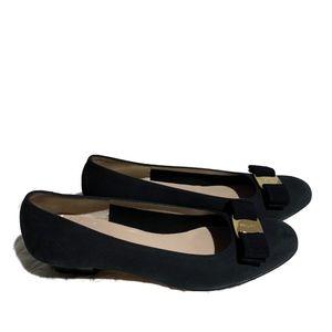 Salvatore Ferragamo Sz 9 Velvet Logo Bow Heels